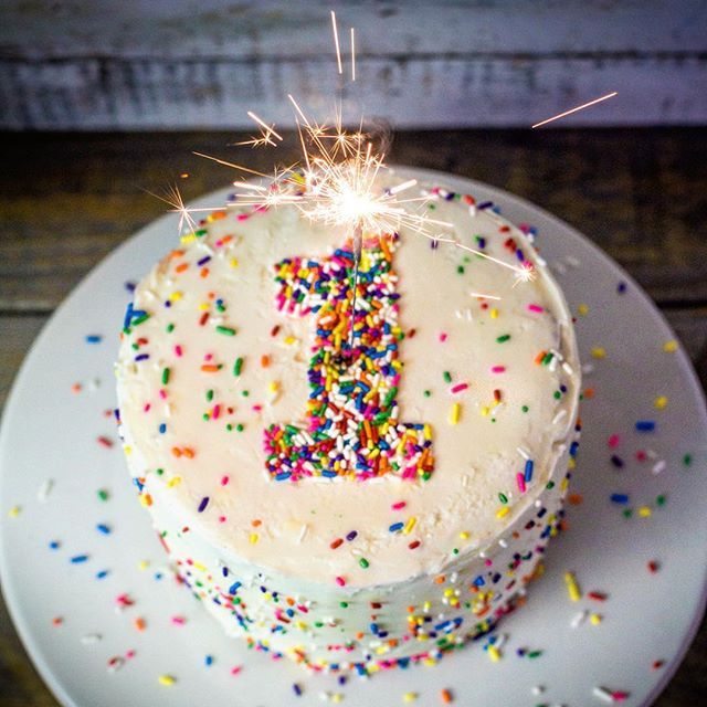 Today, I'm celebrating the one year blog birthday of Southern FATTY with a bit of a facelift on the site. Ok. So it's probably been more like a year and a half plus a month or two. But I'm picky/lazy/procrastinate-y/whatever. Basically, it's just a reason to eat cake. Cheers!