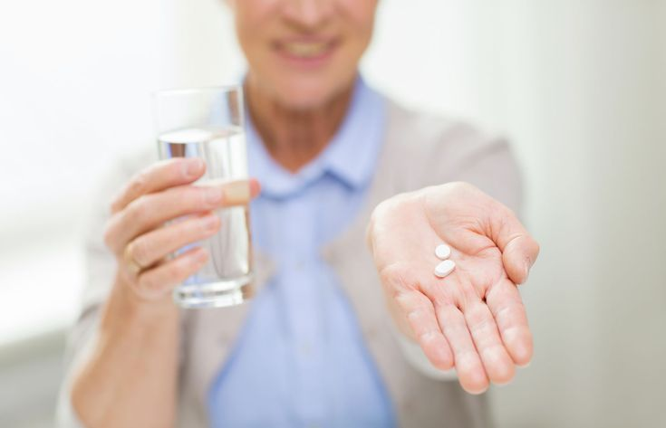 Experts recommend low-dose aspirin to prevent stroke in women - Lower doses are as effective as higher doses and are likely to be safer.  A number of studies support the advice that women ages 55 to 79 should take a low-dose aspirin daily to reduce their risk of stroke. Aspirin does increase the risk of gastrointestinal bleeding, so this should be factored into the decision.