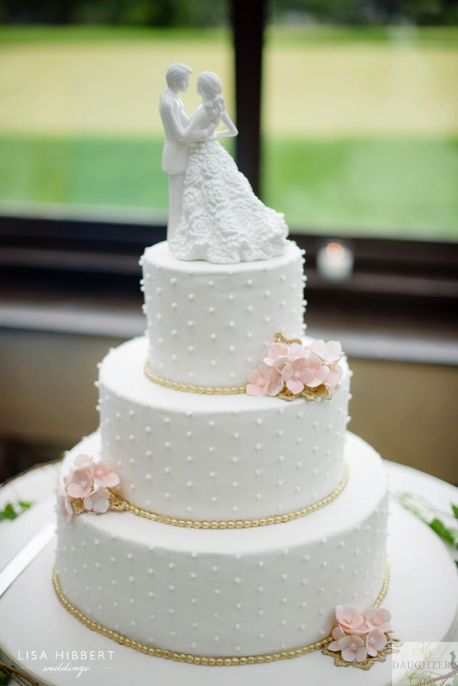 wedding cakes northern new jersey%0A Elegant pearl wedding cake with hydrangea sugar flowers by My Daughter u    s  Cakes  Dumont  NJ