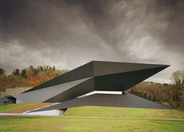 Festival Hall Of The Tiroler Festspiele Erl1 15 Spectacular Buildings Where Origami Meets Architecture