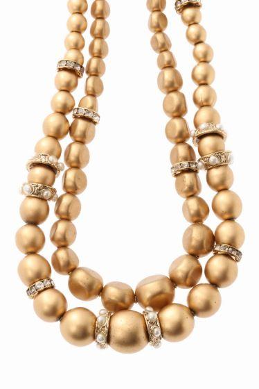 GREN gold glass パール ネックレス  GREN gold glass パール ネックレス 41040 2016AW FIGARO Paris ゴールドのチェーンやボールが重なったボリュームネックレス 一つ付けるだけで華やかになり結婚式などにもお勧めです GREN(グリン) 2007年スタートのジュエリーブランド 旅先で出会ったヴィンテージパーツやデリケートなアンティークレースなどデザイナー自身が大好きな素材に囲まれたアトリエでグリンのアクセサリーは生まれます 宝箱を開けたときのようなワクワクするようなアクセサリーをコンセプトに1点1点丁寧に作られるアクセサリーです