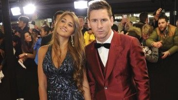 Antonielle Roccusso novia de Messi qe gana 10.10 millones euros por ano