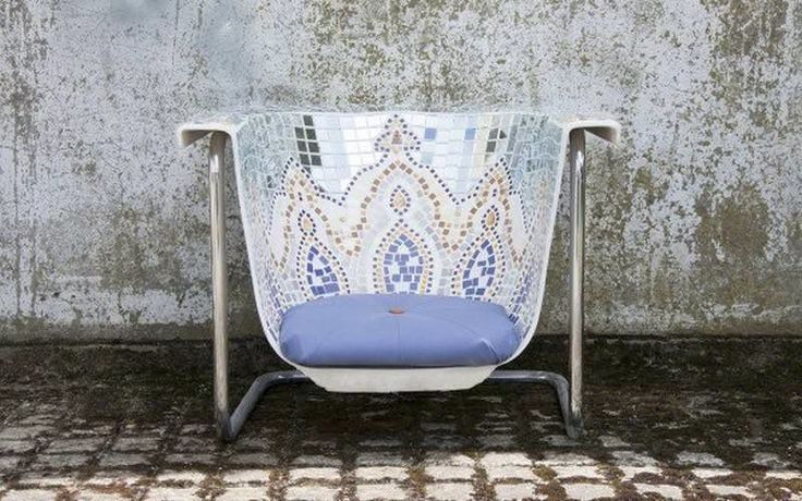 Upcycled Bathtub Chairs - 'I am not a bath' by Helen Stephenson Turns Old Bathtubs into Seating (GALLERY)