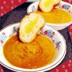 Pittige soep van zoete aardappel en pompoen @ allrecipes.nl