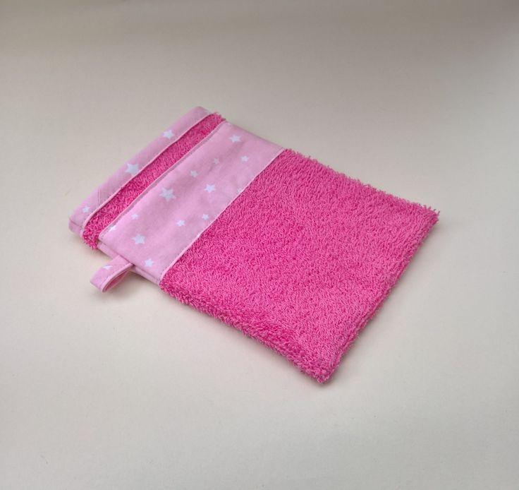 Gant de toilette en éponge fuchsia : Textiles et tapis par les-creations-de-julie72