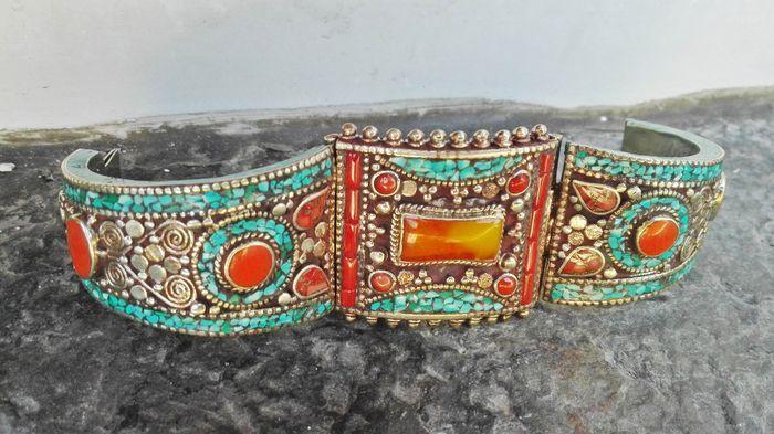 Catawiki, pagina di aste on line  Bracciale in Argento 137g - Ambra - Corniola Turchese Corallo - In stile Tibetano Nepalese