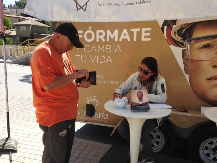 En San Miguel y Quinta Normal finaliza la Ruta Veta Minera 2014 http://www.revistatecnicosmineros.com/noticias/en-san-miguel-y-quinta-normal-finaliza-la-ruta-veta-minera-2014