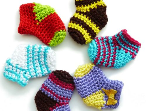 Very Easy Crochet Mini Sock pattern