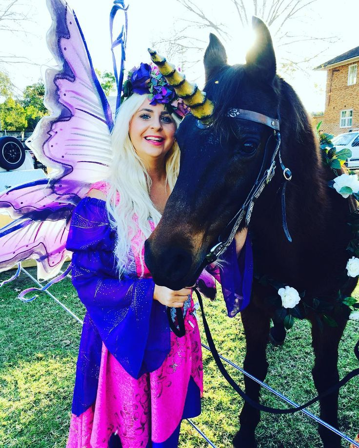 After I met Zara the white Unicorn I met her brother .. Oberon! #kingofthefairies#unicorn#missfairy#sydney#medievalfaire#medievalfairy#fairies#thefairylifechoseme#rainbows#unicornlover#oberon#parramatta#winterfestmedievalfair#wings#fairy#thefairybay#unicornspam🌸😘🎉💚💙💜💛❤️