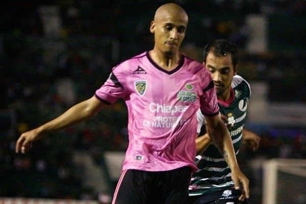 JAGUARES LE NEGÓ REFUERZO A CHIVAS || Guadalajara quiere llevarse a Luis Rodríguez, pero no está en venta. La insistencia es desde hace varios torneos, sin éxito.