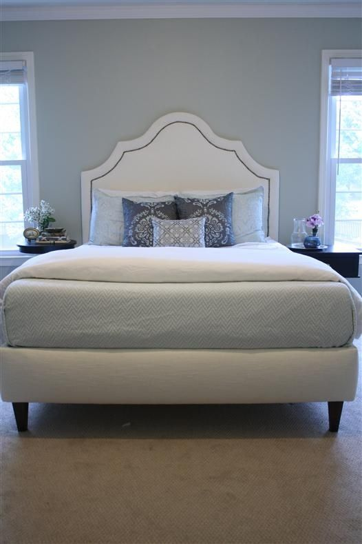 DIY platform bed-love the look of this bed