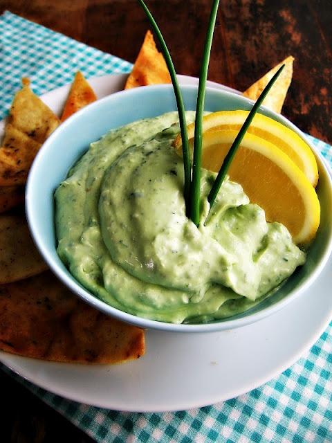 Creamy Kale & Avocado Dip