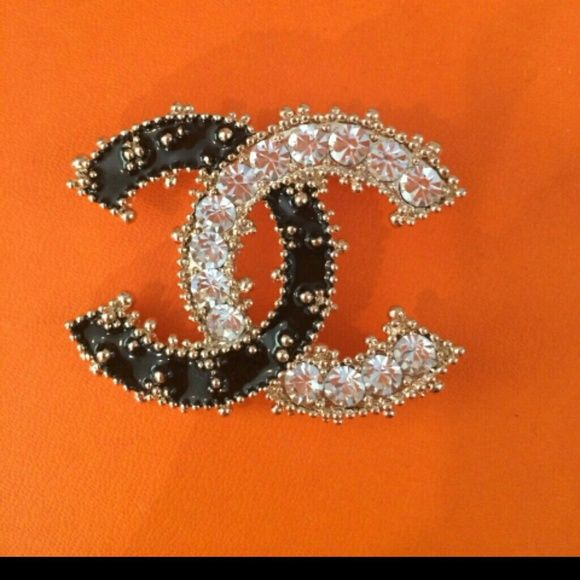 Chanel brooch Slightly use Chanel brooch forsale CHANEL Accessories