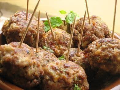 Boulettes de viande à l'ail - des recettes qui suivent le régime alimentaire hypotoxique, sans gluten et sans produits laitiers.
