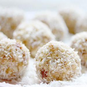 Mnohostranné využití jáhel se dá uplatnit i v podobě sladkostí např. na Vánoční stůl. Jahelné kuličky jsou lehké a v kombinaci s kokosem obzvláště jemné. Do kuliček lze pro zvýraznění chuti přidat i kapku mandlového likéru