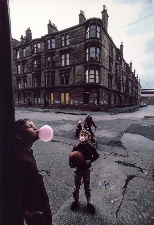 Raymond Depardon - 1980. Ecosse - Glasgow enfants - jeux de rue