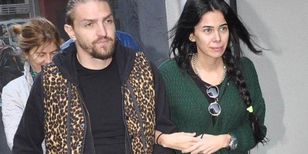 Asena Erkin saçlarını sarıya boyattı http://www.haberinadresi.com/magazin