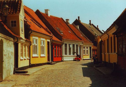 Eeoskobing, Denmark :: Flickr/Simon Barkas
