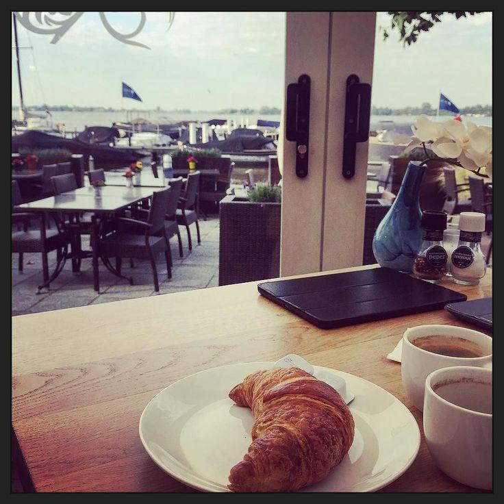 #hotelontbijtje met uitzicht over de bootjes en't water... :-) #myview #hotel #rust #Loosdrecht #P