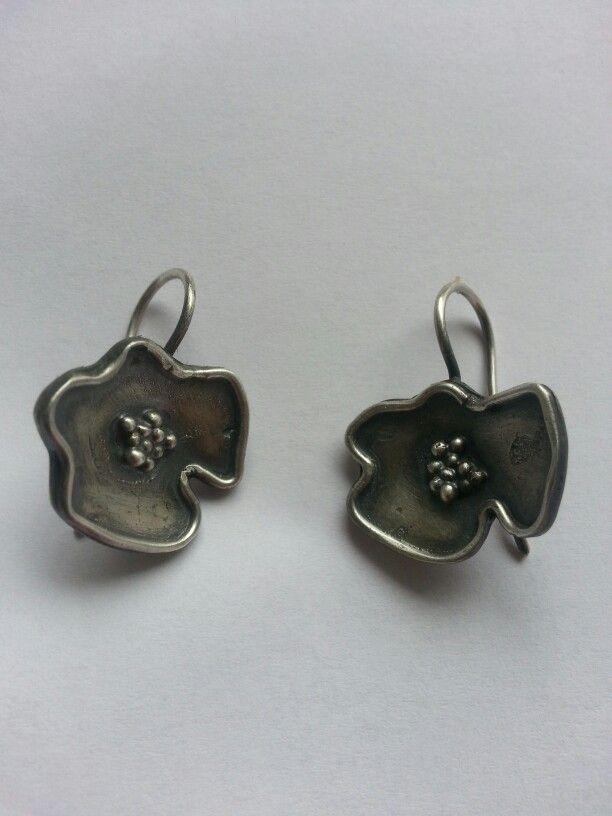 silver poppy flowers