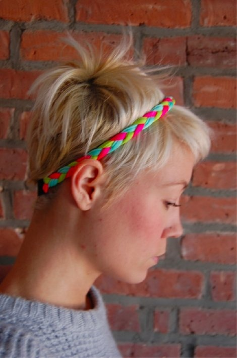 You can add headbands & other accessories to your pixie hairstyle