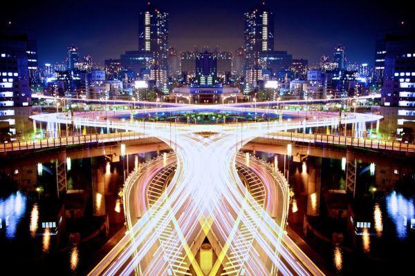 Symmetric Light Photography by Sinichi Higashi