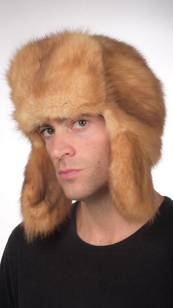 Pregiato cappello in zibellino oro-champagne unisex, cappello in stile Russo, per uomo e donna. Confezionato artigianalmente in Italia con le migliori pelli di zibellino.  www.amifur.it