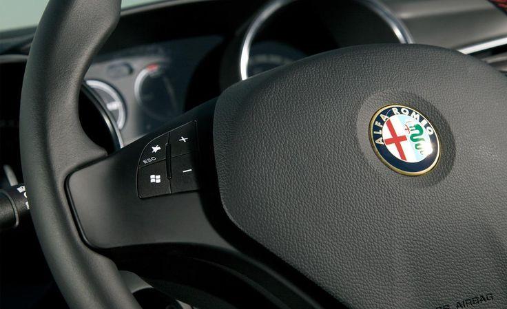 2014 Alfa Romeo Giulietta Steering Wheel Interior