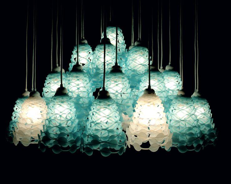 """""""Ces suspensions  trouvent  leur place au dessus d'un bar ou dans une cuisine, peuvent être disposées par trois ou quatre . Très design !! www.lanomadedudesign.com"""