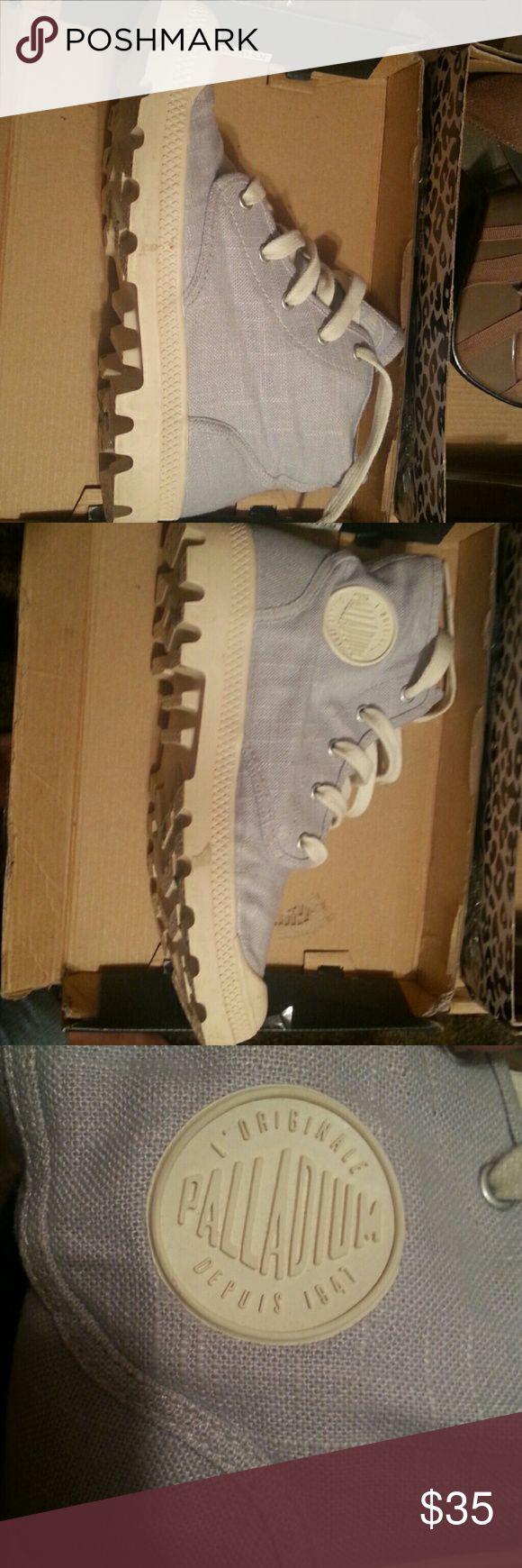 Paladium boots soooooooooooo cute!!! Paladium pampa HI canvas boots paladium Shoes Combat & Moto Boots