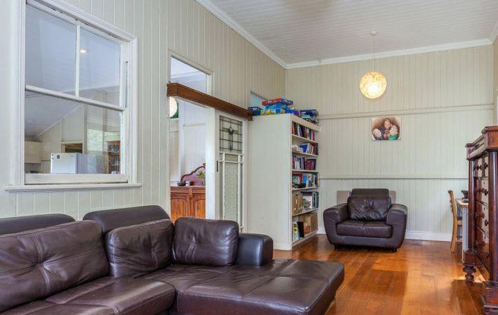 Lounge room pre renovation
