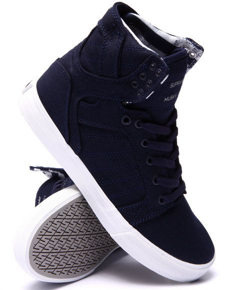 Love this Skytop Sneakers on DrJays and only for $110. Take 20% off your next DrJays purchase (EXCLUSIONS APPLY). Click on the image above to get your discount.