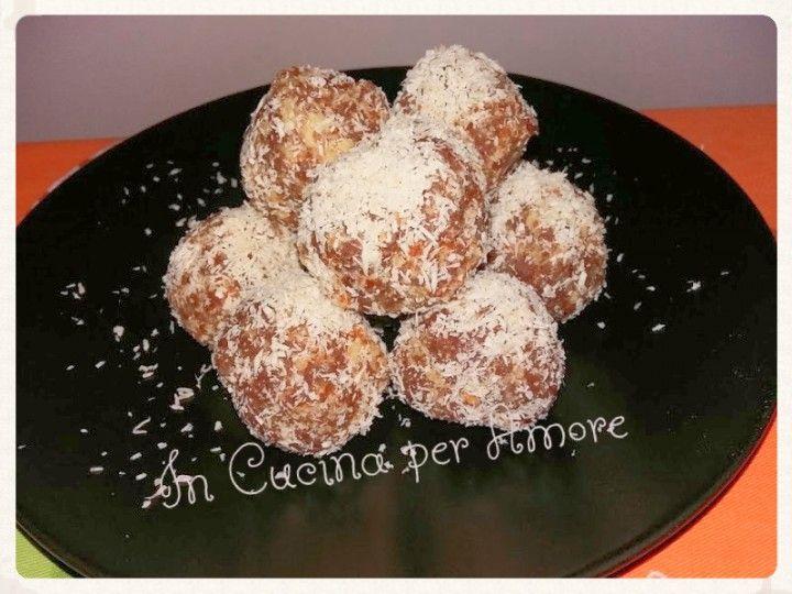 Palline di #pandoro #nutella e cocco. #dolci #recuperodelpandoro #foodblogger #gialloblog #giallozafferano