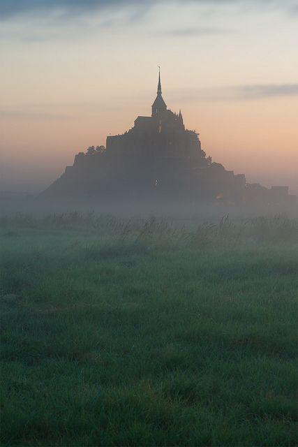 Le Mont-Saint-Michel un matin.