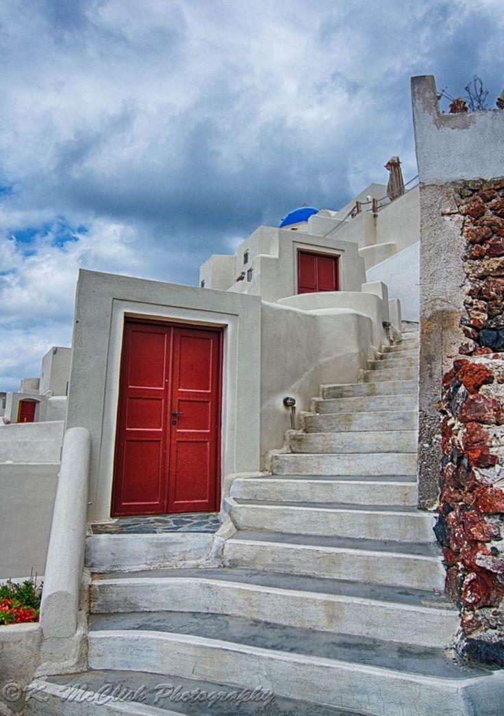 Steps everywhere. Oia village, Santorini island, Greece - Selected by www.oiamansion.com