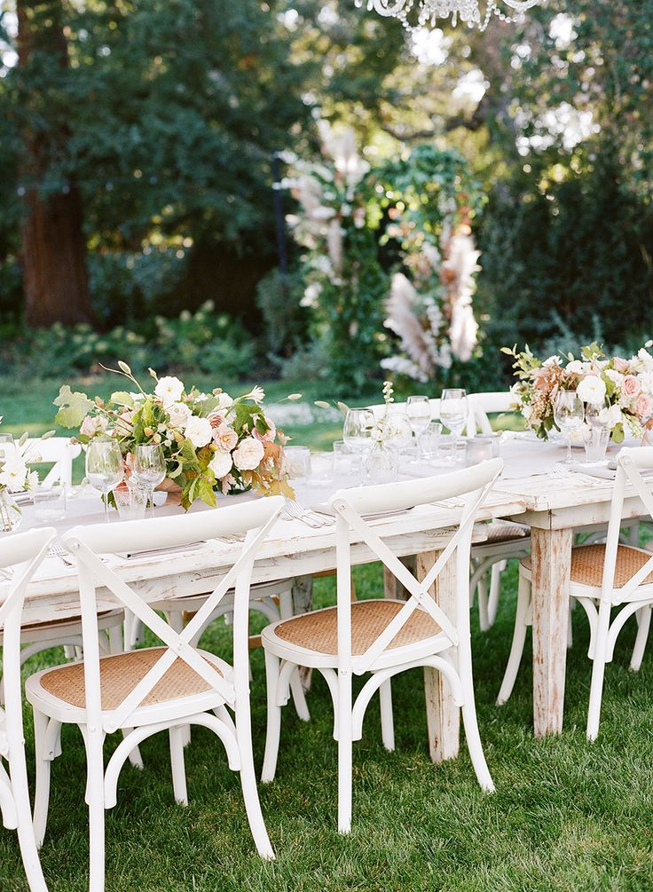 Photography : Lacie Hansen | Event Planning : One Big Fish Events  | Floral Design :  Studio Mondine Read More on SMP: http://www.stylemepretty.com/2016/03/24/a-modern-take-on-the-backyard-wedding/