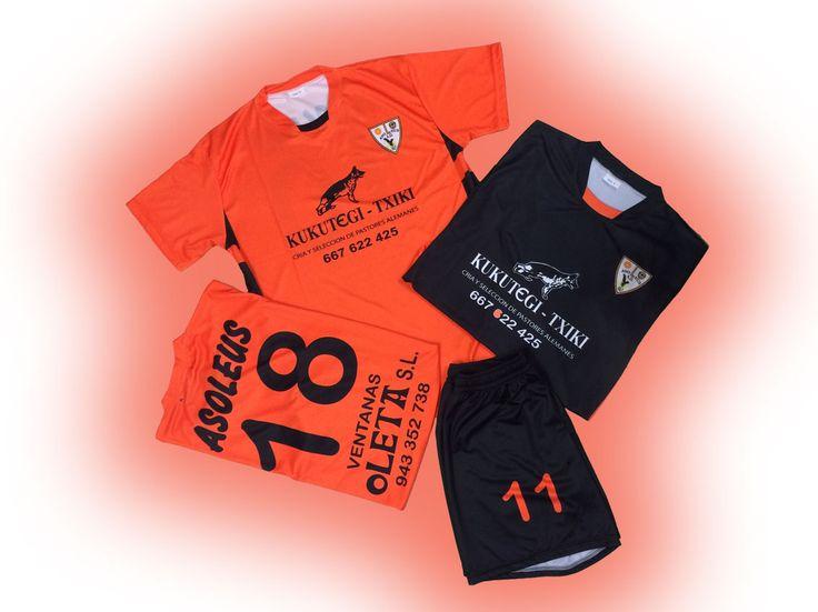 Reposición camisetas realizadas hace unos años del equipo de fútbol Asolius. #atugusto #equipaciones #diseño #easosport