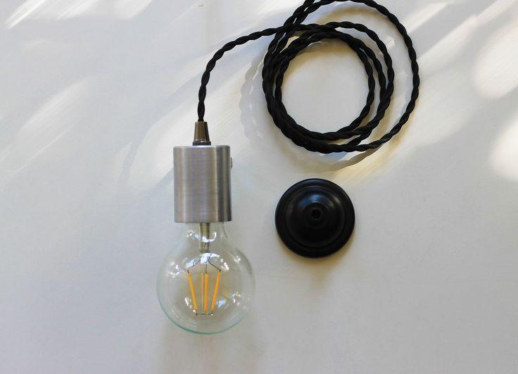 Iluminación, diseño y decoración, todo con tecnología LED en nuestra colección de lámparas de colgar. Recuerda que nuestras lámparas incluyen la ampolleta, sólo tienes que elegirla!  #IluminacionLED  #Diseño #DecoraconLuz
