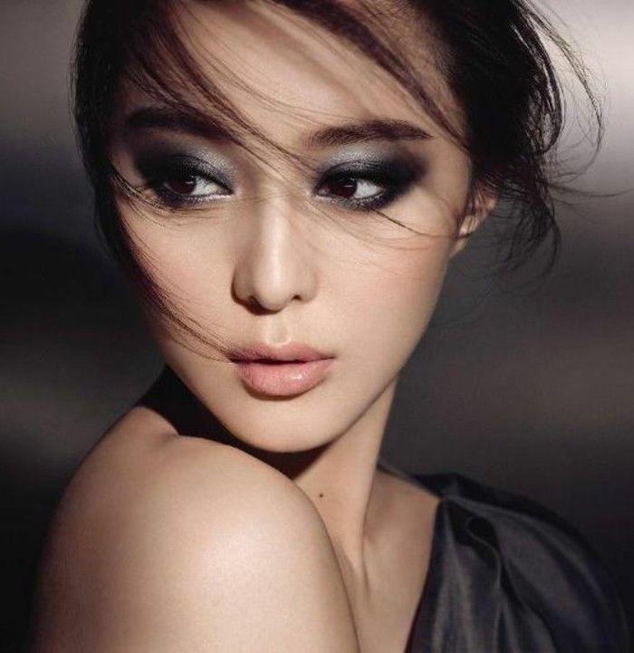 maquillage asiatique dans la gamme grise, cheveux marrons, smokey eyes en gris