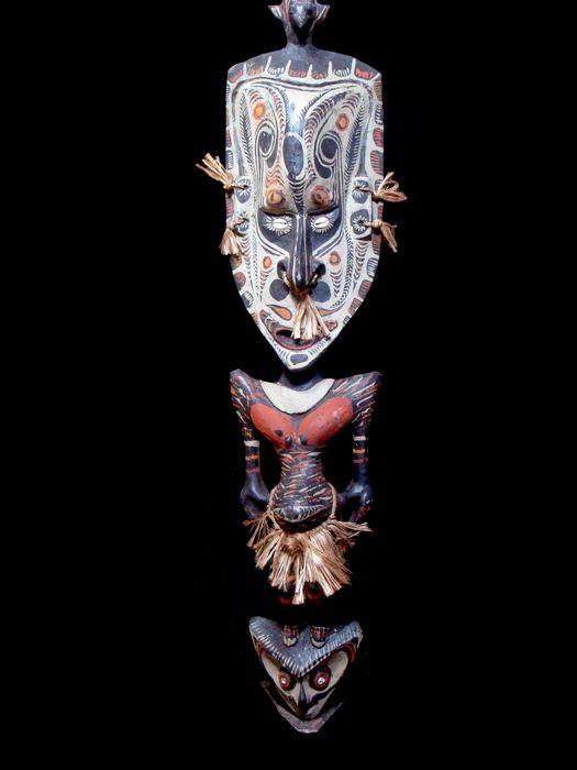 Krachtige mythische figuur - BENEDEN SEPIK - Papoea Nieuw Guinea