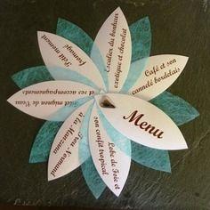Lot de 18 menus blanc et bleu + 1 fleur