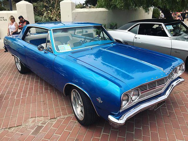 Ещё случайно набрели на выставку автомобилей. Они просто конфетки 😍 #chevrolet#usa#montereybay#car#сша#шевроле #montereybaylocals - posted by  https://www.instagram.com/waydownwego91 - See more of Monterey Bay at http://montereybaylocals.com