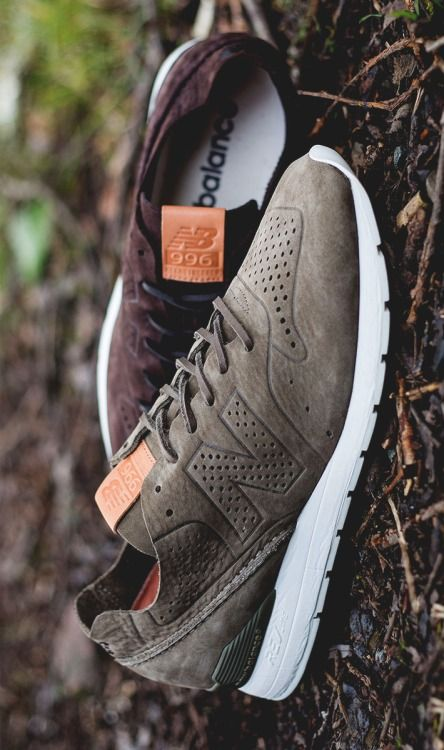 New Balance Brown Trainers http://www.99wtf.net/men/mens-fasion/latest-mens-casual-trouser-trend-2016/