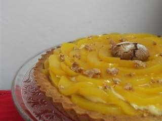 Crostata di amaretti con crema al marsala e pesche sciroppate, Ricetta Petitchef