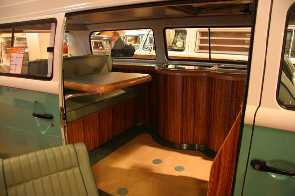 Vw bus custom camper interior the image for Vw kombi interior designs