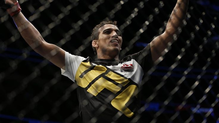Charles Oliveira talks about his time away from the Octagon and who he would like to fight next. Plus, he wishes to be in the next Brazil card, in September.