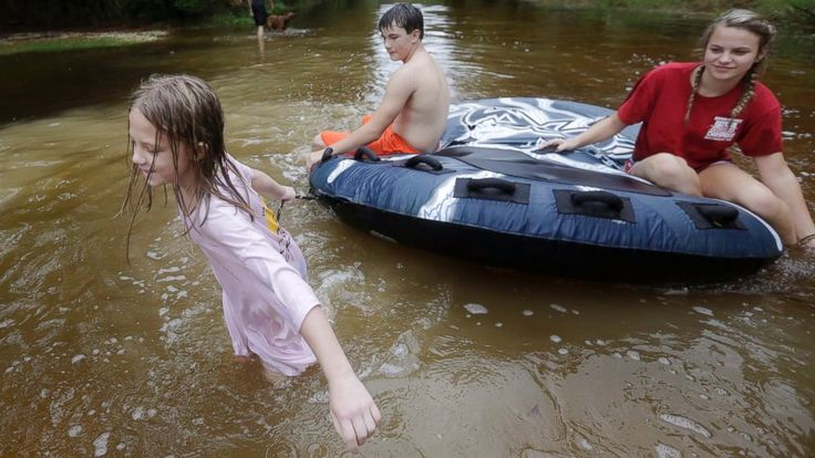 Nate slogged its way across the U.S. East Coast on Monday, dumping heavy rains and bringing gusty winds to inland states as a tropical depression, a day after Hurricane Nate brought a burst of flooding and power outages to the U.S. Gulf Coast.  Nate spared the region the kind of catastrophic... - #Coast, #Dumping, #East, #Heavy, #Marches, #Nate, #Rains, #TopStories