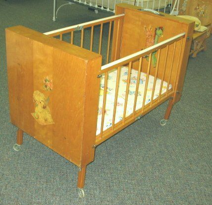 586 1950s Vintage Folding Baby Crib W Decals Oct 14