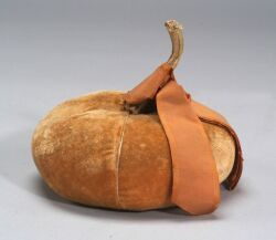 Velvet Squash Pincushion, America, early 19th century