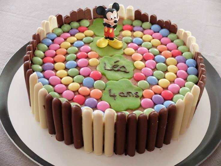 Gâteau d'anniversaire aux fingers et smarties thème Mickey